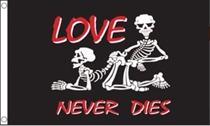 Image of   Love Never Dies Flag (90x150cm)